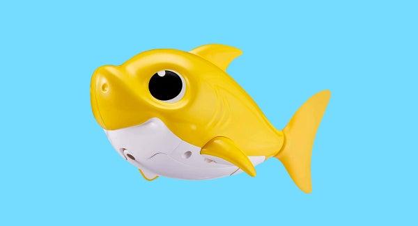 Baby Shark Robo Alive Junior by Zuru