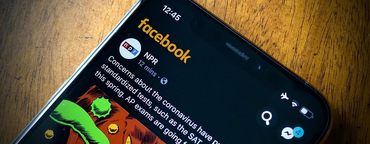 How to Enable Facebook Dark Mode on iPhone Devices